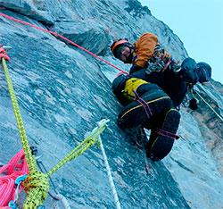 Andrew Kirkpatrick henger i veggen. (Foto: Privat)