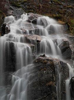 Vannet rant i strie strømmer på nordvestlandet 3. januar. (Foto: Bjarne Eldevik)