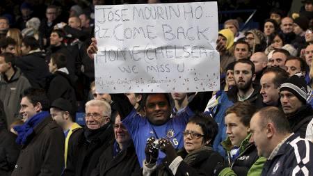 ØNSKET TILBAKE: Chelsea-fansen ønsker seg Jose Mourinho tilbake. (Foto: Nick Potts/Pa Photos)
