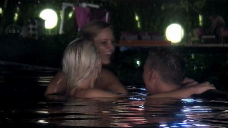 paradise hotel sexscener 2013 nakenbilder av norske jenter