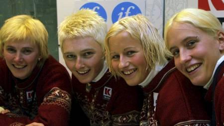 BLONDINER: De norske langrennsjentene i Lahti. (f.v.) Bente Skari, Tina Bay, Vibeke Skofterud og Marit Bjørgen. (Foto: Bendiksby, Terje/NTB scanpix)