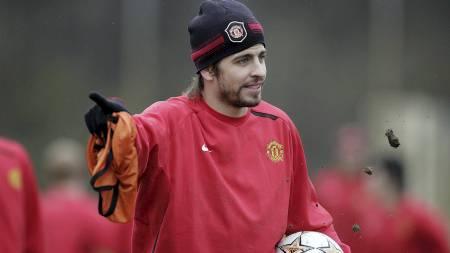 SPILTE FOR UNITED: Gerard Piqué spilte for Manchester United fra 2004 til 2008. (Foto: PAUL ELLIS/AFP)