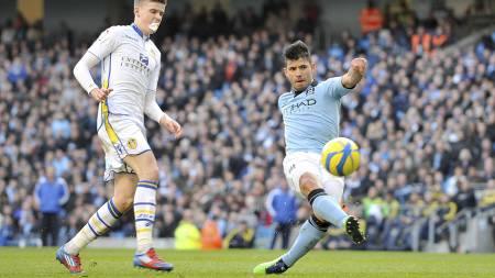 SETTER INN DET SISTE: Sergio Agüero setter inn 4-0-målet på Etihad Stadium. (Foto: Manchester City FC/Pa Photos)