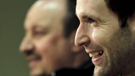Rafael Benitez og Peter Cech (Foto: DAVID W CERNY/Reuters)