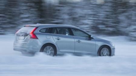 Med V60 Plug-in Hybrid viser Volvo at selv svært miljøvennlige biler kan være både alminnelige, praktiske og morsomme. Nå kan den stikke av med seiren i kategorien Årets miljøbil i verden 2013.
