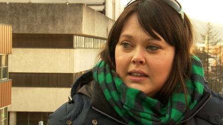 LANGVARIG SYK: For 17 år siden ble Maj-Britt Hovland Grevstad (34) fra Bergen bitt av flått. Siden har hun blitt gradvis sykere. (Foto: TV 2)