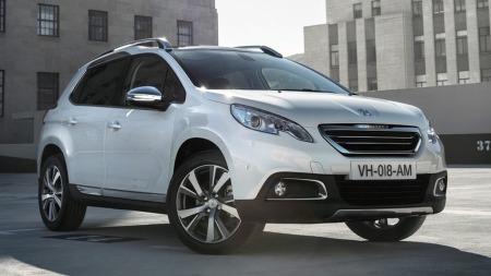 Den nye bilen har fått klare familietrekk som definerer den som en Peugeot - og også noen elementer som gjør at den trekker blikkene til seg.