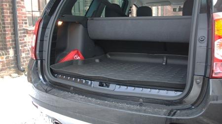 Med 408 liter er ikke bagasjerommet veldig stort, men det er lett å utnytte.