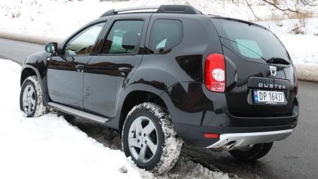 Duster har et habilt firehjulstrekk-system som får deg trygt fram på dårlige vinterveier.