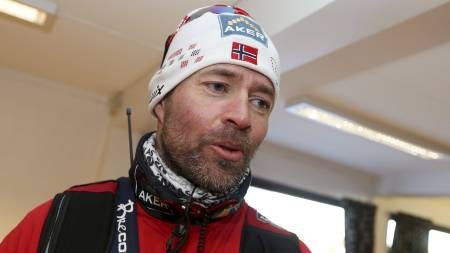 FRYKTER JOBBEN: Trond Nystad legger ikke skjul på hvor viktig det er å vinne stafetten for en norsk langrennstrener. (Foto: Larsen, Håkon Mosvold/NTB scanpix)