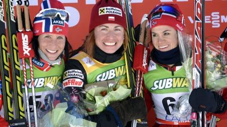 PÅ PALLEN I LAHTI: Justyna Kowalczyk vant 10 kilometeren foran Marit Bjørgen og Heidi Weng. (Foto: LEHTIKUVA, ©tt/RC)