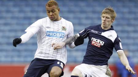 MÅLLØST: Helgens kvartfinale i FA-cupen mellom Joshua Kings Blackburn og Millwall og Andrew Keogh endte 0-0. I kvled er det omkamp (Foto: IAN KINGTON/Afp)