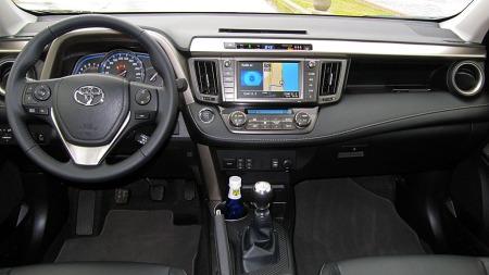 Toyota-RAV4-dashbord (Foto: Benny Christensen)