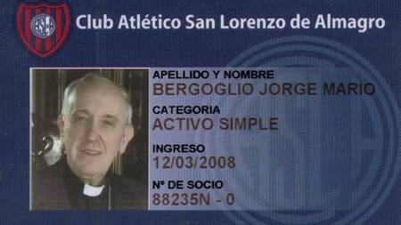 MEDLEM: Her er pavens medlemskort i San Lorenzo. (Foto: HANDOUT/Reuters)
