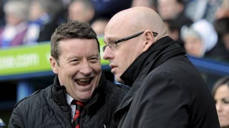 MØTTE EN AV SINE «FORGJENGERE»: Brian McDermott i møte med Sheffield United-manager Danny Wilson under FA cupoppgjøret i januar. Samme Wilson fikk sparken som Sheffield Wednesday-sjef i mars 2000. (Foto: Andrew Matthews/Pa Photos)