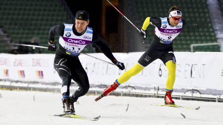 NY VERDENSREKORD: Petter Northug (27) fikk problemer i semifinalen og ble slått ut da.  Søgnen Jensen satte verdensrekord to ganger mandag. Først senket han rekorden fra 11,84 til 11,79 i det innledende heatet sitt. Rekorden ble rett etterpå senket ned til 11,76 av svensken Teodor Peterson (24). (Foto: Grøtt, Vegard/NTB scanpix)