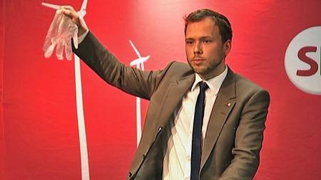 Latexhansken er kastet, sa   Audun Lysbakken i fjor - og utfordret Høyre og Frp på helsefeltet. (Foto:   TV 2)