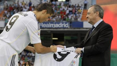 Cristiano Ronaldo og Real Madrid-president Florentino Perez. (Foto: Victor R. Caivano, ©VRC WS**LON**)