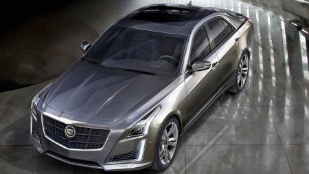 Sedanen er først ute, men alt tyder på at også den nye vil komme i en coupé- og stasjonsvogn-utgave, som forrige. Sistnevnte selger ikke voldsomt godt i USA, men er en viktig image-bygger for Cadillac. Og coupeen forventes også å komme i takløs versjon etter hvert.