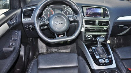 Audi Q5 inetriør foran