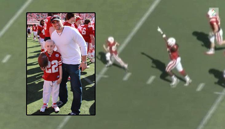 DRØMMEDAG: Jack Hoffman (7) fikk springe inn til touchdown foran Nebraska-fansen.