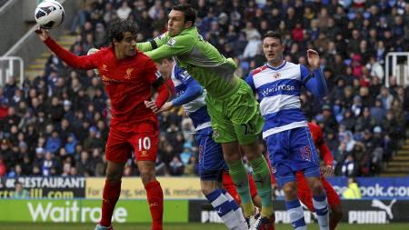 DUELL: Readings målvakt Alex McCarthy var enorm mot Liverpool. (Foto: EDDIE KEOGH/Reuters)