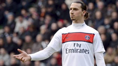 Paris Saint-Germain's Zlatan Ibrahimovic reacts during his French Ligue 1 soccer match against Stade Rennes (Foto: DAMIEN MEYER/Afp)