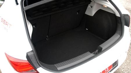 Seat-Leon-bagasjerom (Foto: Benny Christensen)