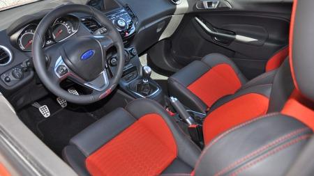 Ford Fiesta ST interiør foran
