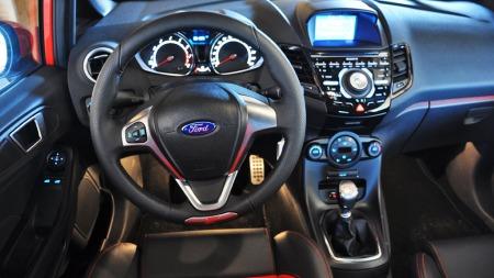 Ford Fiesta ST interiør dashbordet