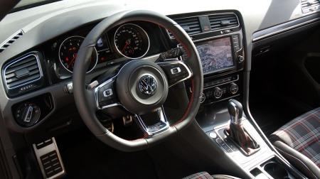 VW-Golf-GTI-dashbord