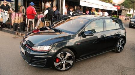 VW-Golf-GTI-i-byen