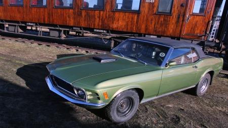 Mustangen var aldri med på film, men vandret altså mellom to eiere med sterk tilknytning til James Bond-sirkuset i begynnelsen av sitt liv. (Foto: Privat)