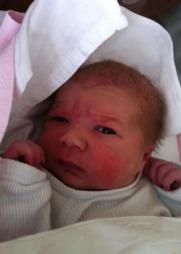 NYFØDT: Lille Nova ble født natt til 2. mai og veide 3365 gram.  (Foto: Privat)