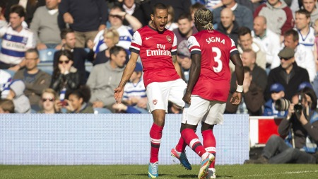 SCORET ETTER 20 SEKUNDER: Theo Walcott fikset Arsenal-seier mot QPR kun 20 sekunder ut i kampen. (Foto: Alastair Grant, ©AG. RC**LON**)