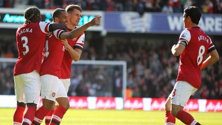 TAKKET ARTETA FOR ASSIST: Theo Walcott fikset Arsenal-seier mot QPR. (Foto: Nick Potts)
