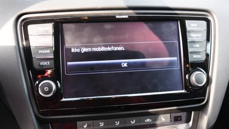 Skoda Octavia detalj ikke glem mobilen