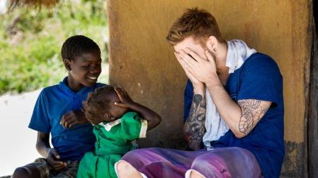 Stian Blipp i Zambia (Foto: Erik Thallaug/Plan Norge)