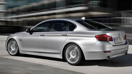 00_BMW 5-serie sedan bakfra