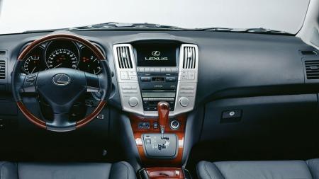 Lexus-RX400h-intr.