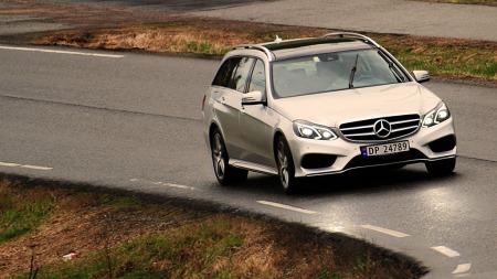 Mercedes-E-klasse-i-fart (Foto: Benny Christensen)