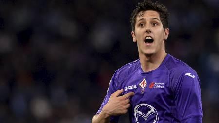 DYR MANN: Stevan Jovetic kan bli for dyr for Arsenal. Men Chelsea betaler med glede det Fiorentina vil ha. (Foto: ALBERTO PIZZOLI/Afp)