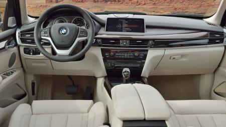 00 BMW X5 2014 interiør hvitt