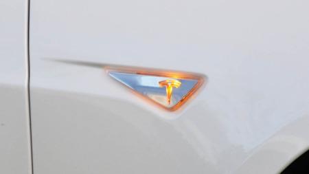 Små detaljer rundt om på bilen gjør at du gjerne bruker lang tid på å fordøye utseendet.