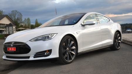 Tesle Model S skrått forfra