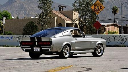 Det moderniserte Shelby-designet slo veldig godt an da filmen kom for 12-13 år siden, og i årene etterpå har mang en gammel Mustang blitt dresset opp for å ligne filmbilen. (Foto: Mecum Auctions)