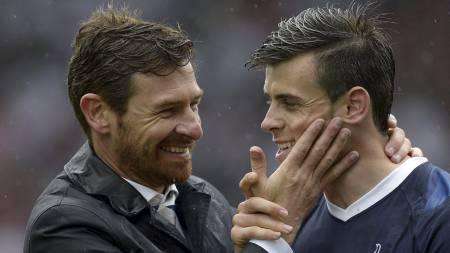 BARE GODE VENNER: Forholdet mellom André Villas-Boas og Gareth Bale kan ta slutt i sommer. Neste sesong kan begge være flyttet fra England. (Foto: ADRIAN DENNIS/Afp)