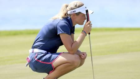 FALLER EN PLASS: Suzann Pettersen er på fjerdeplass på verdensrankingen i golf. Her er Tutta fotografert under Pure Silk-LPGA Bahamas Classic i mai. (Foto: SAM GREENWOOD/Afp)