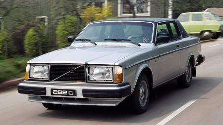 Volvos Bertone-bygde og -designede 262 C var både sær, dyr og ikke verdens beste bil på mange måter. Men synet av en av de aller tidligst produserte i barndommen har gitt meg en