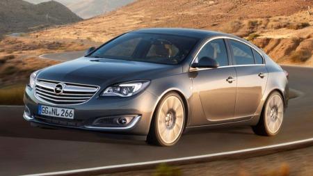 Den debuterer på bilutstillingen i Frankfurt i september og kommer til Norge senere i høst - Opels oppgraderte Insignia-modell.